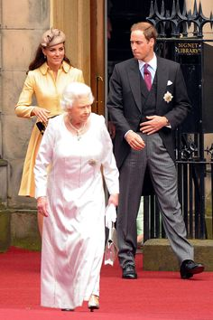 Queen Elizabeth II and Kate Middleton Photo - The Queen, Prince Philip, Prince William, and Catherine, Duchess of Cambridge, attend a ceremony where the Duke of Cambridge was installed as a Knight of the Order of the Thistle