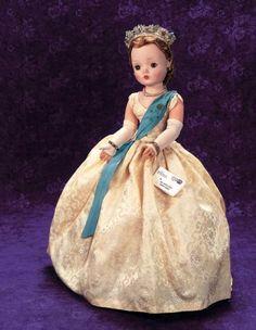 Past Perfect: 27 Cissy Model of Queen Antique Dolls, Vintage Dolls, Vintage Stuff, New Dolls, Barbie Dolls, Princess Diana, Disney Princess, Vintage Madame Alexander Dolls, Alexander The Great