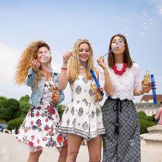 YAY! 🙌  Seifenblasenparty mit Almdudler!💜 #almdudler #lassunsdudeln #seifenblasen #friends #fun #freunde #goodtimes #instagood #drinkporn