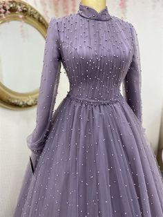 Stylish Dresses For Girls, Stylish Dress Designs, Modest Dresses, Pretty Dresses, Dresses To Wear To A Wedding, Party Wear Dresses, Islamic Fashion, Muslim Fashion, Hijab Evening Dress