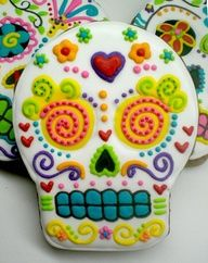 dia de los muertos - day of the dead - sugar skull cookies. I dont think the recipe is attached, but it would be fun to make these with any sugar cookie recipe. Halloween Cookies, Halloween Treats, Christmas Cookies, Christmas Decor, Halloween Party, Cupcake Cookies, Sugar Cookies, Skull Cupcakes, Molasses Cookies