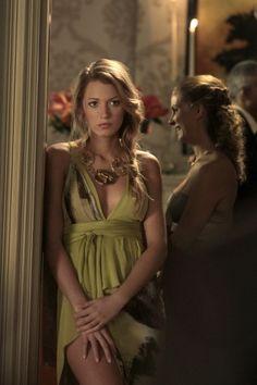 Serena in J. Mendel. Absolutely stunning. http://findgoodstoday.com/dresses