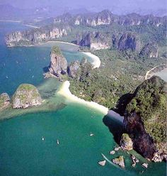 Thailand :: As you can see Rai Lei is spectacular. There are 4 different beaches all within walking distance :: Ton Sia Beach, Railay West, Railey East, And Princess Cave Beach.