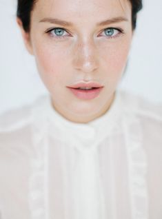 Nastia Vesna Photography Pure Beauty _ Fresh face makeup with subtle highlight and pink flushed cheeks and lips