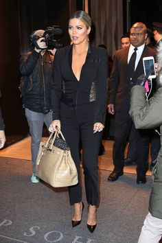 Khloe Kardashian profite du défilé Kanye West pour sortir avec Lamar.