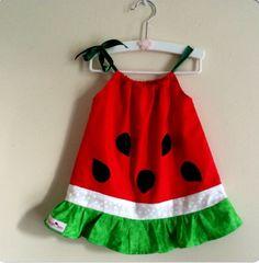 ~ Esta super dulce sandía vestido crecerá con ella! Usar ahora como un vestido y más tarde como un top  Personalizarla!! Hacerlo un poco más dulce