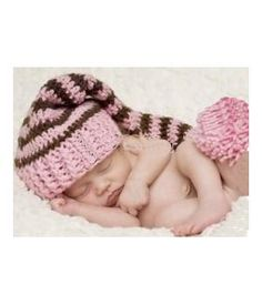 They sell various handmade crocheted items for the most beautiful newborn photo shoots. www.metdehand.nl