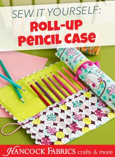ROLL-UP PENCIL CASE Sewing Project. I like the idea, but I'd do a little tweaking to the pattern if I do make this.