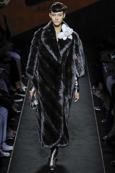 Le manteau en fourrure Fendi à 1 million de dollars