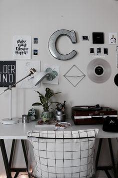 desk ideas, ikea hack, ikea, minimal, aesthetic, bedroom, college, dorm room, college bedroom, gallery wall, black and white, minimal room, tumblr room,