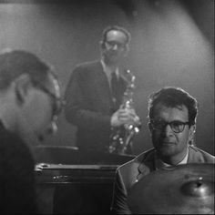1960. The Dave Brubeck Quartet with Dave Brubeck piano, Paul Desmond altsaxofone, Joe Morello drums and Eugne Wright bass perform at the Concertgebouw in Amsterdam. Photo MAI Beeldbank. #amsterdam #1960 #DaveBrubeckQuartet #Jazz #JoeMorello #PaulDesmond #EugeneWright