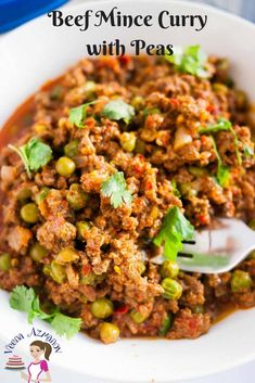 This beef mince curry is an Indian classic made with peas. Very similar to chili with minced meat and beans but here we use ground beef and frozen peas in Minced Beef Recipes Easy, Minced Meat Recipe, Healthy Beef Recipes, Pea Recipes, Ground Beef Recipes, Curry Recipes, Indian Food Recipes, Beef Mince Recipes, Indian Foods
