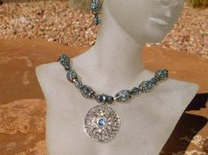 Silver Smoke - Crackled Glass and Crystal Necklace Set