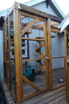 The cat's meow: Check out cat patio styles on the Catio Tour (photos, video) - cat enclosures - Chat Cat Playground, Outdoor Playground, Cage Chat, Outdoor Cat Enclosure, Cat Cages, Cat Run, Cat Garden, Balcony Garden, Outdoor Cats