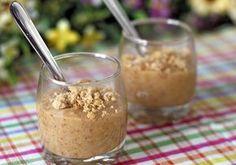 Paçoquinha de Colher  10 paçocas (de rolha) amassadas com garfo; 5 colheres de leite em pó (usei Ninho); Creme de leite até ficar na consistência que você deseja aproximadamente 150g).