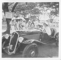 Unknown what and where in the Dutch East Indies in the thirties | by Karin Riper († 24 April 2015)