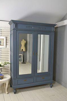 36 ideas bedroom vintage wardrobe cupboards for 2019 Refurbished Furniture, Shabby Chic Furniture, Furniture Makeover, Vintage Furniture, Painted Furniture, Wardrobe Furniture, Bedroom Wardrobe, Armoire Wardrobe, Bedroom Furniture