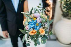 Bridal bouquet-Santorini wedding |See the full gallery here:http://tietheknotsantorini.com/santorini-elopement-in-oia