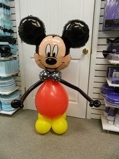 Balloon Mickey Mouse sculpture www.itspartytimeandrentals.com Mickey Mouse Balloons, Disney Balloons, Fiesta Mickey Mouse, Mickey Mouse 1st Birthday, Mickey Mouse Parties, Mickey Party, Mickey Minnie Mouse, Theme Mickey, Balloon Animals
