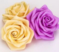 Sewing Fabric Flowers A Simple Recycling Idea: An Aster of Bottle Plastic. DIY Tutorial - A Simple Recycling Idea: An Aster of Bottle Plastic. Paper Flowers Craft, Paper Roses, Flower Crafts, Cloth Flowers, Diy Flowers, Fabric Flowers, Tutorial Rosa, Rose Tutorial, Diy Tutorial