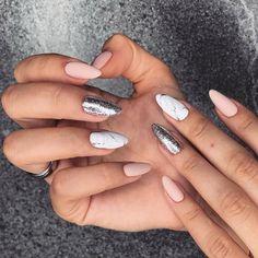 Nageldesign - Nail Art - Nagellack - Nail Polish - Nailart - Nails 16 stiletto nail designs for the Rose Gold Nails, Matte Nails, Pink Nails, Glitter Nails, Sparkle Nails, Matte Pink, Pink Glitter, Matte Black, Acrylic Nails
