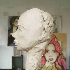 いいね!152件、コメント1件 ― El Bocho(@elbochoberlin)のInstagramアカウント: 「Studio impressions. Working on a new, small sculpture. #sculpure #head」