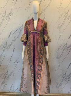 Model Dress Batik, Batik Dress, Muslim Fashion, Hijab Fashion, Fashion Dresses, Kebaya Modern Dress, Dress Pesta, Blouse Batik, Batik Fashion