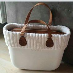 What fun 😁 Cute Purses, Purses And Bags, Brown Bags, Bag Organization, Hobo Bag, Fashion Bags, Bag Accessories, Leather Bag, Bagan
