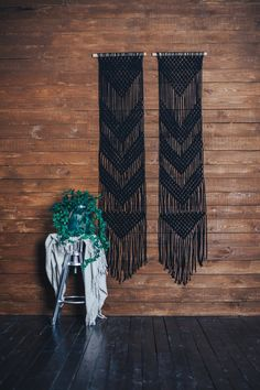 Macrame wall hanging black wall art boho home decor Boho Chic, Bohemian Decor, Boho Tapestry, Tapestry Weaving, Large Macrame Wall Hanging, Tapestry Wall Hanging, Wall Hangings, Giant Dream Catcher, Look Boho