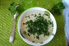Soupe d'orge au yaourt chaud