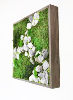 Plant Painting Natural Rock No Care Green Wall Art. by ArtisanMoss… Moss Wall Art, Moss Art, Indoor Garden, Indoor Plants, Diy Wanddekorationen, Vertikal Garden, Island Moos, Vertical Green Wall, Moss Decor