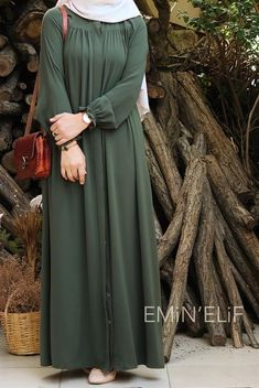 Modest Fashion Hijab, Abaya Fashion, Fashion Dresses, Hijab Dress Party, Hijab Style Dress, Mode Abaya, Mode Hijab, Muslim Women Fashion, Sleeves Designs For Dresses
