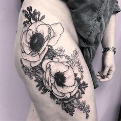 "204 Likes, 7 Comments - Magdalena Marinkovic (@marymad_tattoo) on Instagram: ""Kocham chwasty ❤ #blackwork #anemone #tattooistartmag #tattoopins #skinartmag #tttism #tattrx…"""