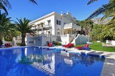 Camps Bay Property : All you could ever dream of. Extravagant Homes, Camps, Luxury Homes, South Africa, Living Spaces, Mansions, Cape Town, Architecture, House Styles