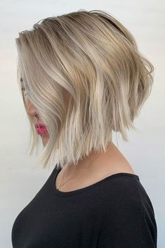 Blonde Stacked Bob ❤ On most occasions, curls and waves in a hairstyle tend to give a cute rather than edgy impression. However, with this jagged short bob, it is a beautiful modern style that is adored among women everywhere. Bob Style Haircuts, Best Bob Haircuts, Bob Haircuts For Women, Thin Hair Haircuts, Short Bob Hairstyles, Everyday Hairstyles, Hairstyles Haircuts, Blonde Inverted Bob, Medium Hair Styles