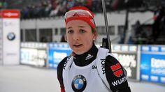 Franziska Preuß beim Biathlon-Sprint in Oberhof | Bildquelle: Dirk Hofmeister/MDR Graphic Sweatshirt, Sweatshirts, Sweaters, Fashion, Biathlon, Moda, Fashion Styles, Trainers, Sweater