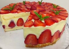 Easy Cake Recipes, Frosting Recipes, Sweet Recipes, Fondant Cakes, Cupcake Cakes, Vegan Buttercream Frosting, Romantic Desserts, Christmas Cake Designs, Cake Decorating Icing
