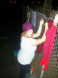 Crochet Chiq: YARN BOMB - the basic how to yarn bomb guide with out wasting yarn!