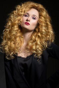 Big Curls For Long Hair, Big Blonde Hair, Haircut For Thick Hair, Long Curly Hair, Big Hair, Curly Hair Styles, Beautiful Long Hair, Gorgeous Hair, Blonde Beauty