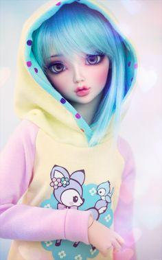 cyristine:  Mitsuru wearing a sweet pastel hoodie that I made.