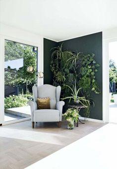 petits espaces decoration-coin-detente-mur-vegetal
