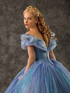 Learn about (and see) all the beauty looks from Cinderella 2015 - Lily James Cinderella Cosplay, Cinderella 2015, Cinderella Live Action, Cinderella Movie, Cinderella Dresses, Disney Dresses, Prom Dresses, Wedding Dresses, Cinderella Hairstyle