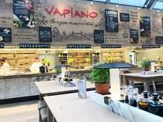Vapiano is quite unique in it's style; think canteen meets food court. It's Italian, serving pizza and pasta which are made fresh to order, in front of you. Texas Bbq, Favourite Pizza, Chicken Pizza, Food Court, London Restaurants, Gin And Tonic, Contemporary Decor, Tower Bridge, Pasta Dishes