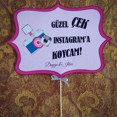 Kişiye Özel Konseptli El Pankartları - Daha fazlası için www.yosunbutik.com ziyaret ediniz ! #elpankartı #konuşmabalonu  Tüm resimlerin izinsiz kullanılması yasaktır. … Okumaya devam et →