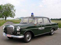 Mercedes Polizei