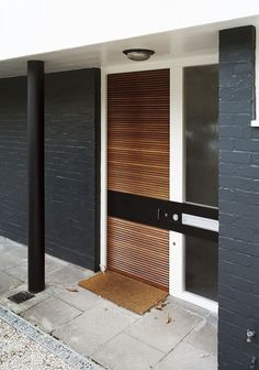 Painted brick exteriors, modern front door, modern entrance, front door d. Modern Entrance Door, Modern Exterior Doors, Modern Front Door, House Entrance, Entrance Doors, Exterior Design, Front Doors, Front Entry, Front Porch