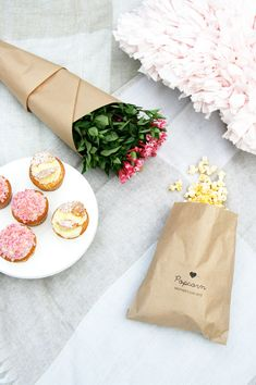 DIY: Mother's Day Outdoor Cinema Picnic | Pretty Fluffy #mothersday #cinema #diy