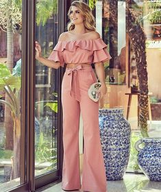 Swans Style is the top online fashion store for women. Shop sexy club dresses, jeans, shoes, bodysuits, skirts and more. Classy Outfits, Chic Outfits, Beautiful Outfits, Fall Outfits, I Love Fashion, Fashion Looks, Womens Fashion, Fashion Design, Essentiels Mode