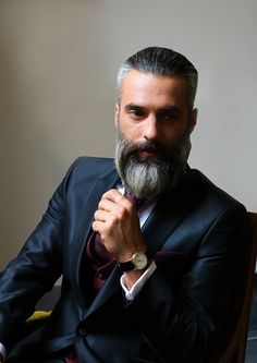 Beards And Mustaches, Grey Beards, Grey Hair Beard, Beard Images, Beard No Mustache, Hair And Beard Styles, Perfect Man, Mens Suits, Physique