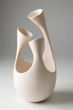 Tina Vlassopulos - 'Treble' ceramic sculpture - the posts forming at the top of the piece draws ones eye to it, it is intricate design,